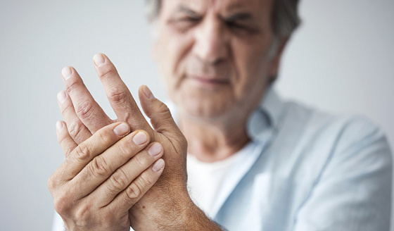 пенсионеры с артритом